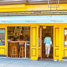 I love Greenwich Village. My favorite part of NYC. #newyorkcity #nyc #usa #greenwichvillage #thevillage #streetphotography #travelphotography #worldtravel #instatravel #travelgram #peoplephotography
