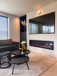 New Living Room, Home And Living, Muebles Living, Hotel Room Design, House Inside, Living Styles, Living Room Inspiration, House Rooms, Home Interior Design