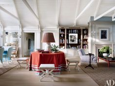 Christopher Burch's Hamptons Beach House, interior design by Christopher Maya, photo by William Walldron for Architectural Digest Beach Living Room, Living At Home, Living Area, Living Spaces, Living Rooms, Family Rooms, Coastal Living, Architectural Digest, Die Hamptons