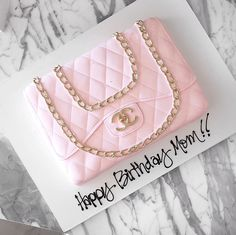 We celebrated my Mom birthday yesterday (she hates when I post her age and how pretty is this CHANEL bag cake! too pretty to eat Chanel Birthday Cake, 50th Birthday Cake Toppers, Birthday Cake For Him, Moms 50th Birthday, Birthday Cakes For Women, Sweet 16 Birthday, Bolo Chanel, Chanel Cake, Handbag Cakes