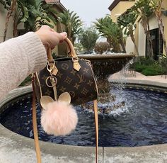 Find tips and tricks, amazing ideas for Prada handbags. Discover and try out new things about Prada handbags site Luxury Handbags, Louis Vuitton Handbags, Louis Vuitton Speedy Bag, Purses And Handbags, Louis Vuitton Monogram, Celine Handbags, Mini Handbags, Chanel Handbags, Coach Handbags
