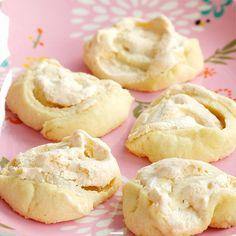 Här hittar du ett läckert recept på Jitterbuggare. Botanisera bland massor med recept, tips och inspiration. Retro Recipes, Fika, Doughnut, Biscuits, Rolls, Food And Drink, Bread, Candy, Cookies