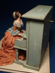 scale Musical Automata made by Gale Elena Bantock. Gale's work can be seen at the Kensington Dolls House Festival in London and Miniatura in Birmingham. Custom Made Gift, Autumn Rose, Piano, Doll Costume, Antique Toys, Old Toys, Miniature Dolls, Beautiful Dolls, Miniatures
