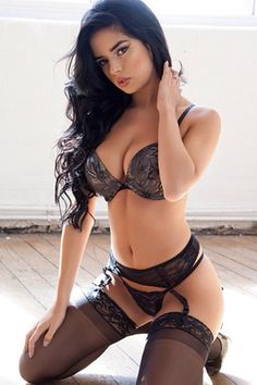 Nice set of undies and lace top stockings. #beautifulwomen