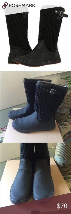 NEW UGG LYZA. BLACK Model: 1012490 Few things are cozier or more versatile than a chunky knit sweater. Let your feet experience the feeling with this stylish modern boot. UGG Shoes Winter & Rain Boots