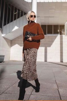 Winter Style 644929609125999865 - Silk leopard skirts Source by inaellen outfits 2016 Source by AAaliyahOlsonShopStyle Printed Skirt Outfit, Pencil Skirt Outfits, Leopard Print Outfits, Leopard Print Skirt, Leopard Dress, Fashion Mode, Look Fashion, Fashion Outfits, Winter Outfits Women