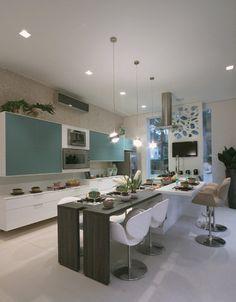 12 cozinhas ousadas com papel de parede e móveis de design assinado