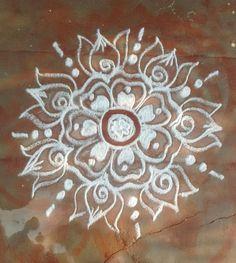 Indian Rangoli Designs, Rangoli Designs With Dots, Rangoli Designs Images, Beautiful Rangoli Designs, Free Hand Rangoli Design, Kolam Rangoli, Diwali Decorations, Simple Rangoli, Chalk Art