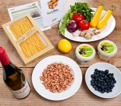 Schaut mal, was alles in der TastyBox zum Kochen im August'12 geboten war: Frische Nordsee-Krabben aus Butjadingen, selbstgemachte Pasta aus Italien, Bio-Bananenjoghurt mit frischen Heidelbeeren zum Dessert ... und und und ;-) mhhh, lecker!