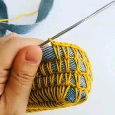Crochet Bag Tutorials, Crochet Instructions, Crochet Videos, Diy Crochet, Crochet Crafts, Yarn Crafts, Fabric Crafts, Crochet Projects, Rope Crafts