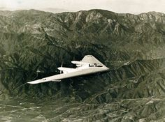 """Northrop """"Flying Wing"""" – XP-56, April 1943. Official U.S. Navy photograph, now in the collections of the National Archives."""