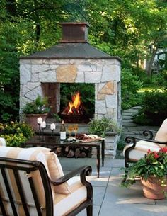 Charmant An Outdoor Fireplace Design On Your Deck, Patio Or Backyard Living Room  Instantly Makes A Perfect Place For Entertaining, Creating A Dramatic Focal  Point.
