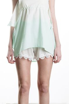Chiffon and lace shorts, mum spring / summer 2013 Cute Casual Outfits, Pretty Outfits, Pretty Clothes, Sewing Clothes Women, Clothes For Women, Women's Clothes, Trendy Fashion, Boho Fashion, Walk In Robe