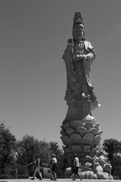 Bombarral. <br />Quinta dos Loridos. <br />Bacalhôa Buddha Eden. <br />2017.05.02. Statue Of Liberty, Portugal, Nooks, Buddha, Fotografia, Pictures, Places, Statue Of Liberty Facts, Statue Of Libery
