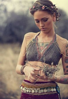 Modern hippie headband, boho chic bralette top, with gypsy coin belt. For the BEST Bohemian fashion trend ideas FOLLOW https://www.pinterest.com/happygolicky/the-best-boho-chic-fashion-bohemian-jewelry-gypsy-/ now!