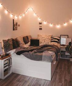 Room Design Bedroom, Small Room Bedroom, Room Ideas Bedroom, Diy Bedroom, Bedroom Storage, Gold Bedroom, Bedroom Inspo, Bedroom Goals, Bedroom Furniture