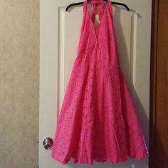 Halter dress Dark pink flower design with eyelets full dress with liner Isaac Mizrahi Dresses Maxi