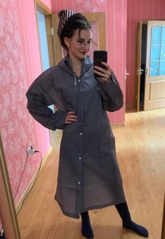 Mackintosh Raincoat, Rain Cape, Plastic Raincoat, Rain Wear, Capes, How To Wear, Fashion, Gray, Plastic