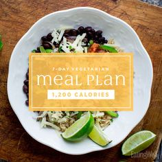 Vegetarian Meal Plan: Calories This vegetarian weight-loss meal plan makes it easy to eat your veggies and lose weight.This vegetarian weight-loss meal plan makes it easy to eat your veggies and lose weight. Healthy Dinner Recipes, Diet Recipes, Healthy Snacks, Healthy Protein, Vegan Recipes, Paleo Dinner, Lunch Recipes, Budget Meal Planning, Budget Meals