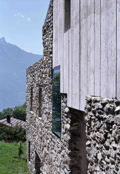 These natural materials are catching the eye of contemporary architects and inspiring buildings that marry traditional craftsmanship with modern forms and te...
