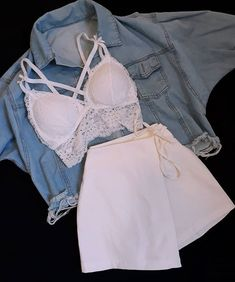 Stylish outfit idea to copy ♥ For more inspiration join our group Amazing Things ♥ You might also like these related products: - Vests ->. Teen Fashion Outfits, Swag Outfits, Mode Outfits, Retro Outfits, Girly Outfits, Classy Outfits, Look Fashion, Stylish Outfits, Beautiful Outfits
