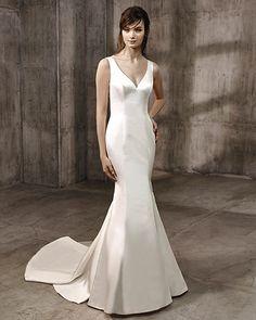 22 Best Badgley Mischka Brides Images Badgley Mischka Bridal