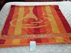 AÑADIDO Y HECHO POR Mª DEL PILAR VARELA SANTISO20180119_180137 Picnic Blanket, Outdoor Blanket, Towels, So Done, Picnic Quilt