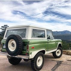 Classic Ford Broncos, Classic Bronco, Classic Trucks, Classic Cars, Bronco Truck, Bronco Ii, Jeep Truck, Cool Trucks, Cool Cars