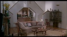 Housesitter | Goldie hawn, She s and Woman