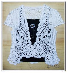 Openwork Bolero free crochet graph pattern / crochet ideas and tips . Crochet Circle Vest, Cardigan Au Crochet, Crochet Coat, Crochet Circles, Crochet Buttons, Crochet Jacket, Crochet Cardigan, Crochet Clothes, Lace Cardigan