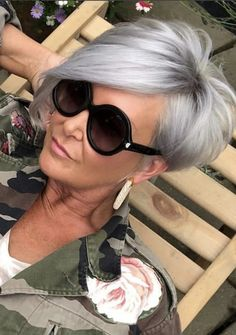 Cut and color The Effective Pictures We Offer You About christmas party A quality picture Hairstyles Over 50, Short Hairstyles For Women, Teen Hairstyles, Casual Hairstyles, Celebrity Hairstyles, Braided Hairstyles, Short Grey Hair, Short Hair Cuts, Funky Short Hair