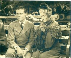 Tom Brown & Jeanette MacDonald (In old age makeup - Maytime) I Movie, Movie Stars, Old Age Makeup, Jeanette Macdonald, Musical Film, Classic Movies, American Singers, Old Women, Old Hollywood
