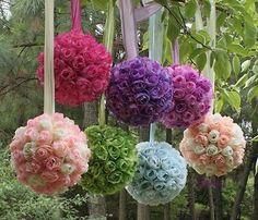 #TuFiestaTipBoda -Estas esferas son perfectas para decorar la entrada de la recepción, puedes hacerlas de flor natural o artificial!