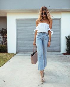 Cute cropped denim look. - The Mary Curator https://www.themarycurator.com/