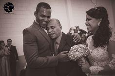 #larieherbert2015 #nikond7000 #weddingday #weddingphotography #noivos #novios #bride #groom #paidanoiva #momento #love fotojornalismocasamento