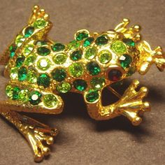 #vintagejewellery #vintagecostumejewellery #vintagejewelry #vintagecostumejewelry #vintagebrooches #frog