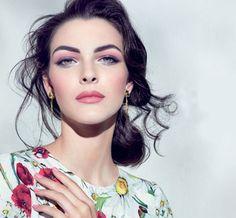 dolce-&-gabbana-makeup-2016-lipstick-rose-pink-ad-campaign-model-beauty