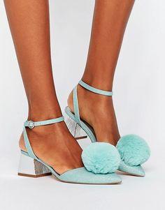 Pom Pom Shoe cutenes
