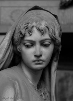 angel sculpture the saddest eyes Foto amp; Cemetery Statues, Cemetery Art, Photos Of Eyes, Art Sculpture, Clay Sculptures, Sad Eyes, Renaissance Art, Face, Aesthetic Statue