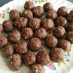 AMAZEballs - dates, cacao, walnuts and coconut.  Only a few minutes to make and the ultimate healthy snack!