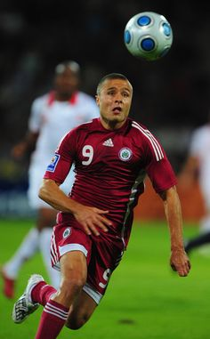 Maris+Verpakovskis+Latvia+v+Switzerland+FIFA2010+WzR6VDGcWCTl.jpg (367×594)