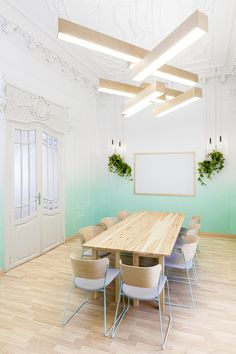 Masquespacio have designed the interiors of 2Day Languages, a new language school in Valencia, Spain.
