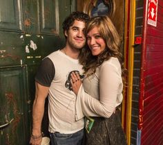 Darren & Mia backstage. I can't understand how anyone can hate her. The new hair looks fantastic on her!!