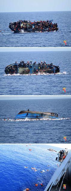 :'(   Sequência de fotos da Marinha italiana mostram barco lotado de migrantes virando logo antes do resgate na costa da Líbia; 500 pessoas foram resgatadas e ao menos 7 morreram (Foto: Marinha Italiana/AFP)