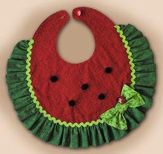 SUMMER FUN Bib PDF Pattern van SewTuti op Etsy  CY: Inspiration for sewing this myself.