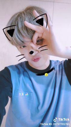 TXT Yeonjun Cat & Dog Tomorrow x Together Yeonjun Cat & Dog Tiktok: txt txt. Namjin, Kpop Gifs, Cute Korean, Handsome Boys, K Pop, Chanyeol, Fandoms, Beautiful, Cats