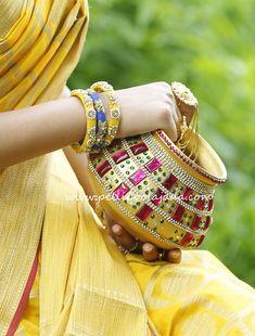 Pelli poola jada Indian bridal and wedding Accessories. Kalash Decoration, Thali Decoration Ideas, Diy Diwali Decorations, Home Wedding Decorations, Wedding Crafts, Festival Decorations, Diwali Diy, Diwali Craft, Pottery Painting Designs