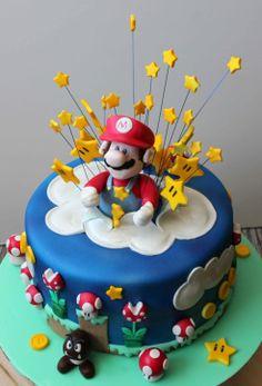 Tarta Super Mario Bros:Tartas Decoradas en Madrid, Tartas Decoradas Personalizadas por Encargo Madrid, Cumpleaños Infantiles, Bodas, Comuniones, Cursos de Decoracion de Tartas