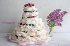PIĘTROWY TORT BEZOWY