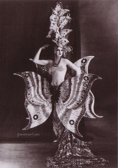 Glamoursplash: Sex and Splendor at the Folies Bergere, 1909 Paris
